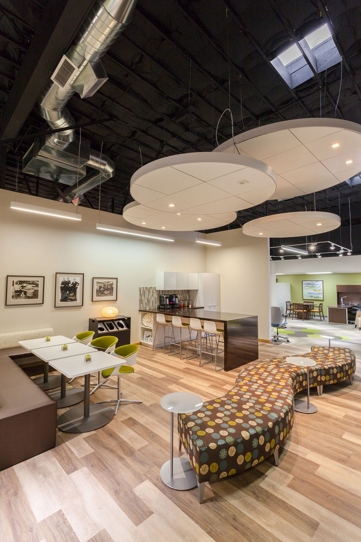 ... Of Their Corporate Office Into A Class A Showroom For Office  Furnishings, Carpet And Acoustic Ceilings. As Part Of The Project, Big D  Also Added An ...